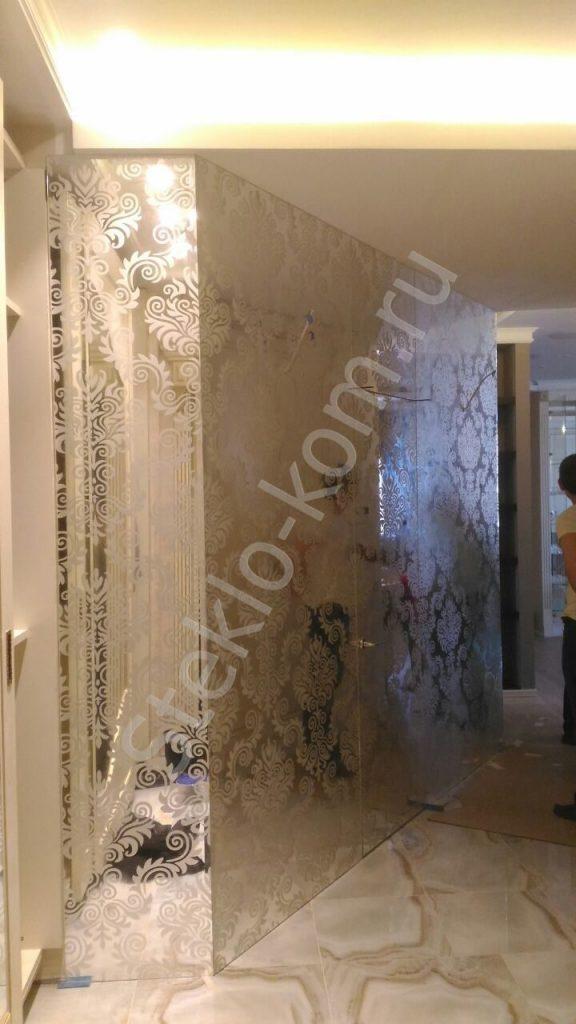 Зеркальная стена с матированием
